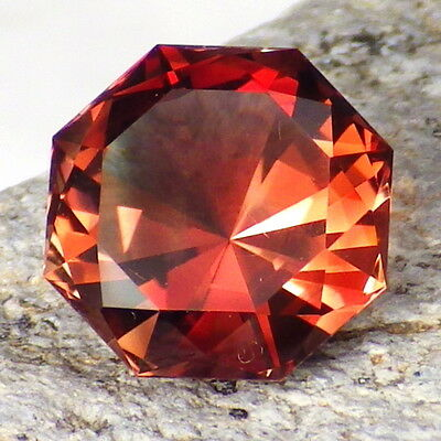 RED OREGON SUNSTONE 3.80Ct FLAWLESS-FOR TOP JEWELRY-PERFECT FACETING-VIDEO