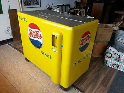 Scarce Pre 1951 Pepsi Cola Musical Cooler Embossed Bright Yellow By Gm