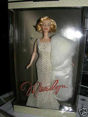 Timeless Treasures     Marilyn Monroe    2001 mattel collector