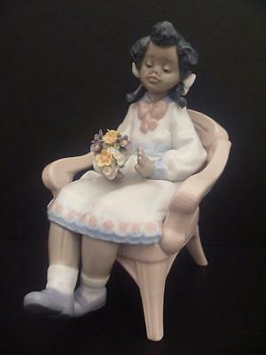"""RARE  LLADRO  FIGURINE """"SITTING PRETTY"""" GIRL IN CHAIR WITH FLOWERS MODEL No 5699"""