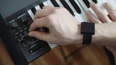 BASSLET by Lofelt : Feel the bass now !