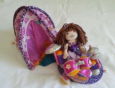 Groovy Girl Tent 2001, Drum set 2002 and Doll lot. (VANTAGE)