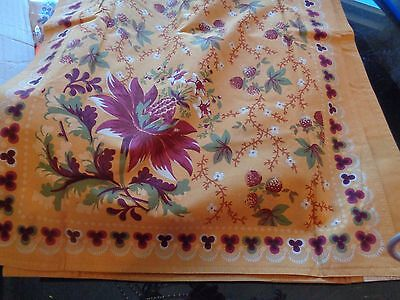 Williams Sonoma Berry meadow  tablecloth 20 X 108  gold    New