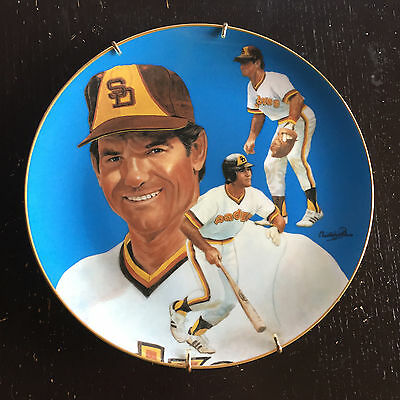 San Diego Padres Steve Garvey Hand-Signed Limited Edition Plate #2064 / 10,000