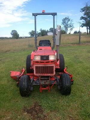 Kubota 1750B 4X4 Tractor with 60in mowing deck