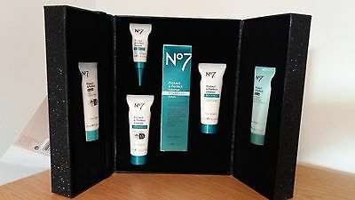 No7 Protect and Perfect The Perfect Gift Set - Includes Intense Serum 30ml