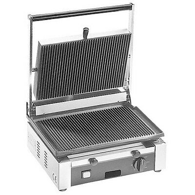 "GMCW TSG1G 15"" x 13"" Single Grooved Panini Grill Sandwich Press"
