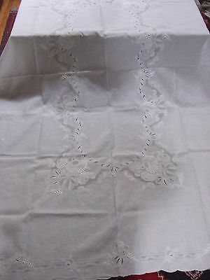 Fabulous Vintage Madeira Cutwork  Linen  Tablecloth + 12 napkins    K13