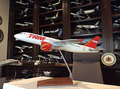 New Space Models England Tam Airlines Of Brazil Airbus A320 Display  1/100 Scale