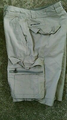Columbia Cargo Shorts Mens 32 Flat Front Beige Solid 100% Cotton Outdoor