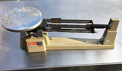 VINTAGE OHAUS 2610g TRIPLE BEAM BALANCE SCALES - Made In USA
