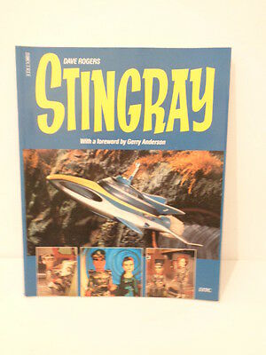 VINTAGE 1992 STINGRAY BOOK with POSTCARD **SIGNED BY GERRY ANDERSON**