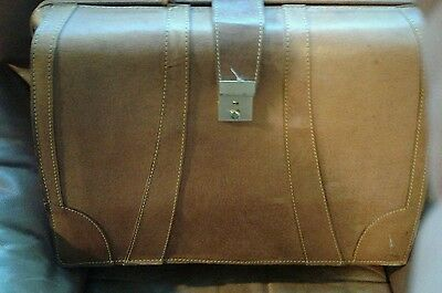 Vintage leather briefcase / REDUCED