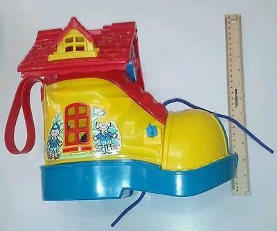 1983 Matchbox Live Play n and Learn school doll house boot shoe toy 1980's