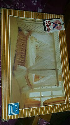 Sindy four poster bed.boxed. in orginal box.