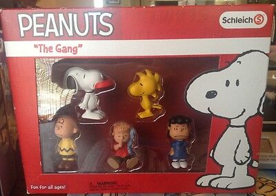 Peanuts The Gang Set by Schleich 5 Characters