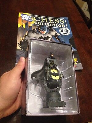EAGLEMOSS Batman & Bat Signal DC Chess Collection Special Hand Painted w Mag