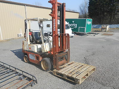 Nissan Petrol / Gas Forklift Fork Lift Truck With Side Shift