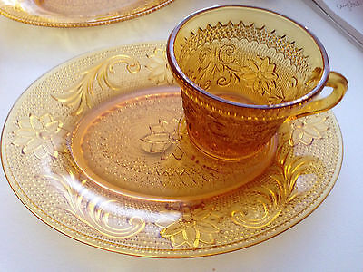 """VINTAGE INDIANA GLASS """" TIARA """" Lunch Plate & Tea Cup Set"""