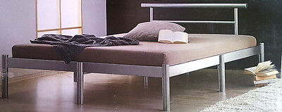 bett doppelbett holzbett g stebett 140x200 einzelbett kiefer ausstellungsst ck eur 49 00. Black Bedroom Furniture Sets. Home Design Ideas