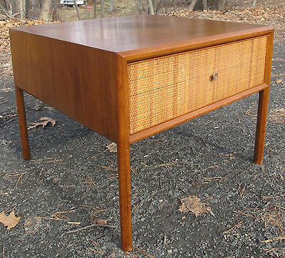 MID CENTURY MODERN WOOD & CANE END / SIDE TABLE paul mccobb nightstand