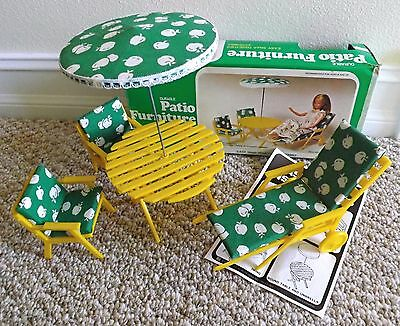 VINTAGE 70's BARBIE DOLL SIZE DURABLE YELLOW PLASTIC PATIO FURNITURE SET w/BOX