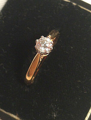 Diamond Solitaire engagement ring 18 ct gold