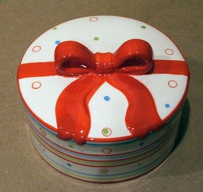 Ceramic Round Gift Wrapped Present Cookie Jar Christmas Bow 7 1/2 Dia. X 5 1/2 H