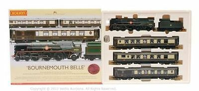 Hornby R2300 'Bournemouth BelleTrain Pack