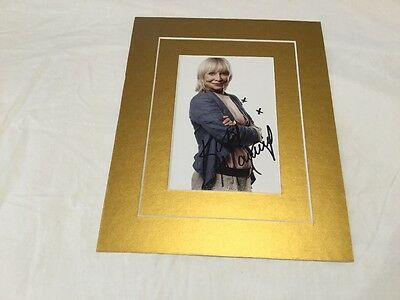 """Katy Manning Dr. Who hand signed 6"""" x 4"""" photo matted to fit 8""""x10"""" frame"""