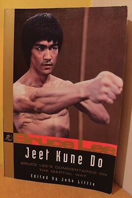 Jeet Kune Do: Bruce Lee's Commentaries on the Martial Way (Bruce Lee Library)