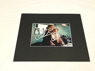 """Gillian Anderson X Files hand signed 6"""" x 4"""" photo matted to fit 8""""x10"""" frame"""