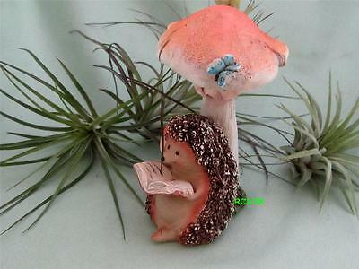 HEDGEHOG READING BOOK MUSHROOM BUTTERFLY Fairy Garden Resin Hand Painted Top Col