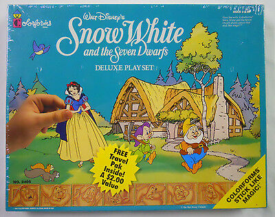 STILL SEALED! 1993 Colorforms Snow White and the Seven Dwarfs Deluxe Play Set