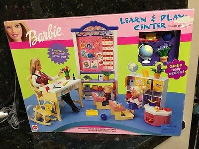 Barbie Learn Play Center Playset Teacher Desk Lockers School DayCare New