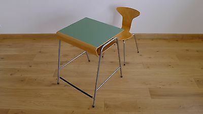 Arne Jacobsen Munkegaard School Desk & Chair by Fritz Hansen 3105 Mosquito 1955