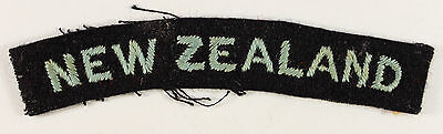 NEW ZEALAND - R.A.F. Officer's WW2 Nationality Shoulder Title Badge