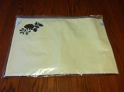 Longaberger Nature's Garland Reversible Placemats -Natural/Holiday Stripe 2 Pack
