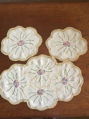 Vintage Hand Embroidered Duchess Set/ Doily Set. Dressing/dining Table Crochet