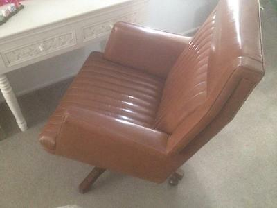 VINTAGE MID CENTURY 60s TEAK WOODEN BASE STUDY DESK SWIVEL CHAIR TAN VINYL SEAT