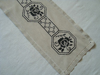 Vintage  embroidered decorative Table runner with Lovely Roses