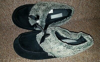 Ladies well worn slippers. size 5/6.  black with fur trim. USED