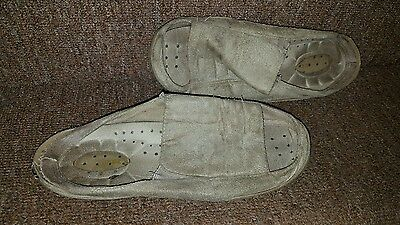 Ladies Slippers. Well Worn. Size Uk 5. Used. Open Toe