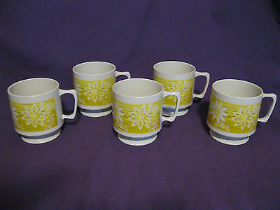 Set of 5 VINTAGE Plastic Coffee Cups Daisy Floral w/ Yellow & Brown Stripes #207