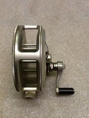 Vintage J.T Crouch & Sons Makers Dunolly Vic Fishing Reel