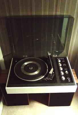 Vintage / Retro- Dynatron  3 X Speeds Record Player,with 2 X Speakers-Very Good