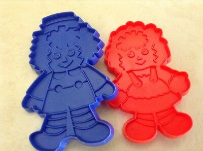 VTG Merrill Co. Set of Raggedy Ann and Andy Cookie Cutters Plastic