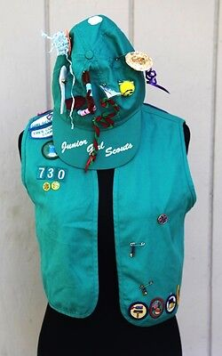 HALLOWEEN COSTUME Junior Girl Scout Uniform Badge VEST Sewn on Patches Hat 1990s