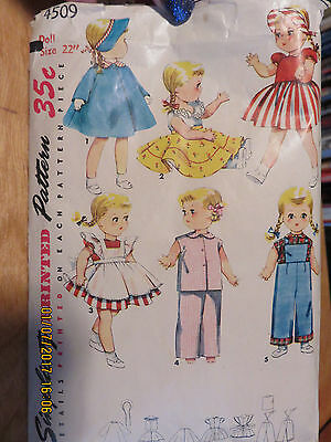 """VINTAGE 50's SIMPLICITY  DOLL CLOTHES PATTERN - 4509 - 22"""" SAUCY WALKER"""