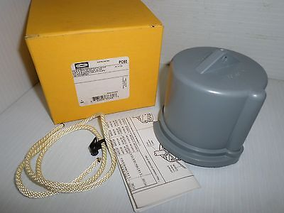 NEW HUBBELL PC60 60-Amp PIN&SLEEVE WATERTIGHT PLUG CAP 60A  ** NEW IN BOX **